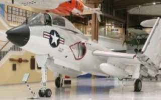 Палубный истребитель Vought F7U Cutlass (США)